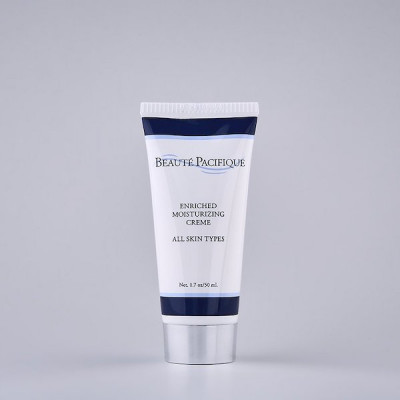Fugtighedsgivende dagcreme til alle hudtyper (tube) • 50 ml.
